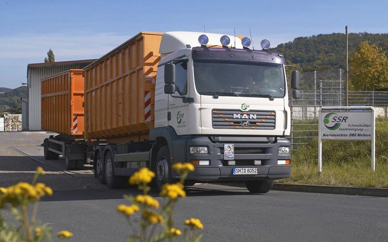 Stadtreinigung Schmalkalden SSR Abrollfahrzeug bei der Betriebsstätte DBG MelkersAbrollfahrzeug bei der Betriebsstätte DBG Melkers